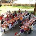 CasaOz - Pranzo di gruppo nel cortile della casa