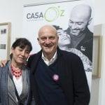 CasaOz - Enrica Baricco, presidente di CasaOz Onlus, e Claudio Bisio